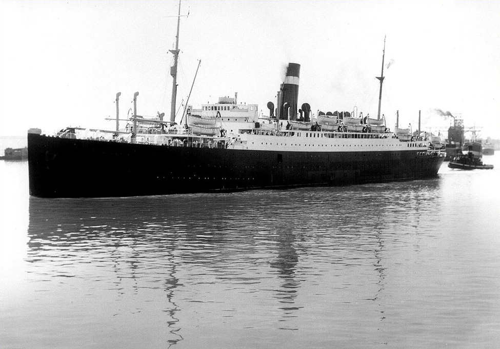 More details SS ATHENIA seen in Montreal Harbour - 1933 Credit National Archives of Canada