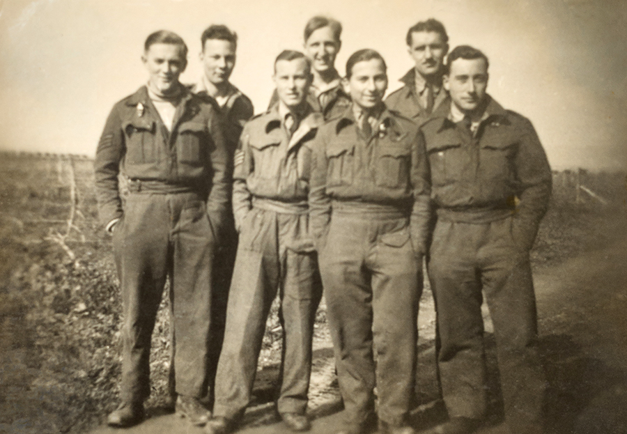 Stanley David (3rd right) with crew Tocra, Libya 1944